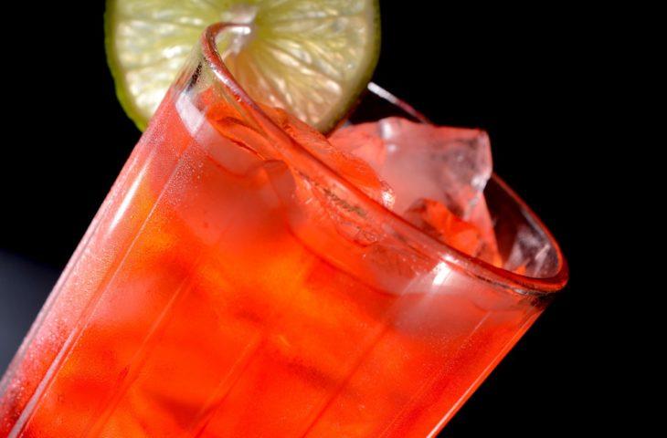 le punch au rhum, cocktail à base de spiritueux