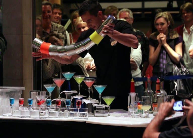 Le Flair Bartending Ou L'art Du Jonglage De Bar