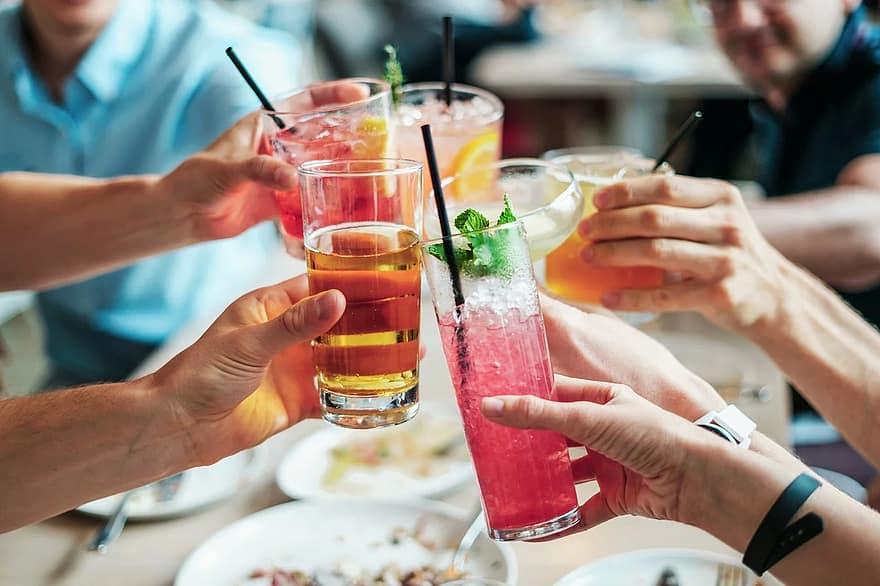 5 Cocktails À Réaliser Pour Un Apéro Réussi