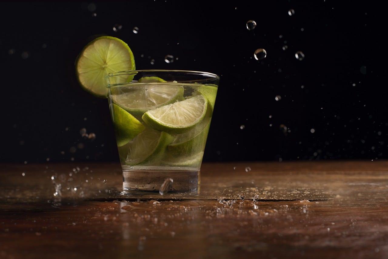 3 Recettes De Cocktail Brésilien À Base De Cachaça