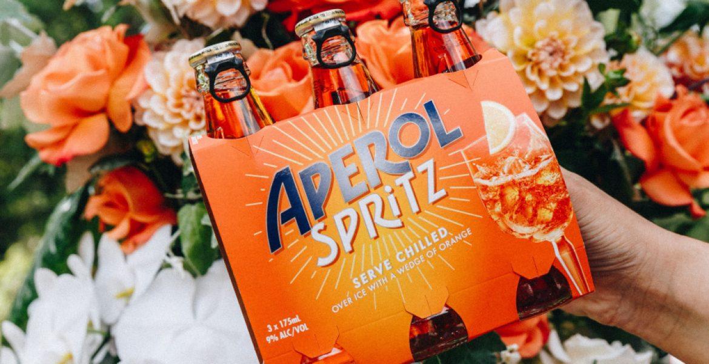 Aperol Spritz Dans Des Bouteilles Au Format Prêt À Boire