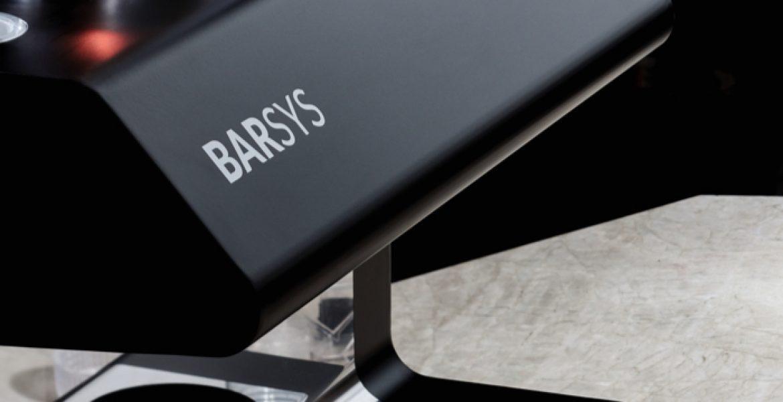 Barsys 2.0, le nouveau robot-barman qui prépare des cocktails avec l'IA