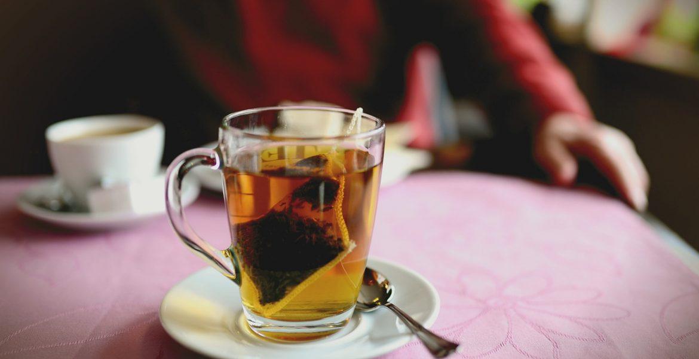 les différentes façons de boire le thé à travers le monde