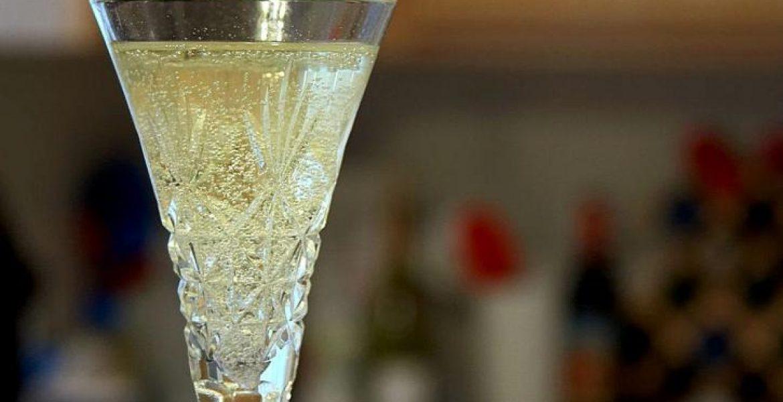 quel verre est le mieux adapté pour servir du champagne